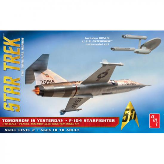 AMT 1:48 Star Trek F-104 Starfighter