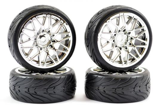 Fastrax Street Tread Tyres on Star Spoke Chrome Wheels (4)