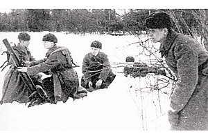 Zvesda 1/72 Soviet 82mm Mortar W/Crew
