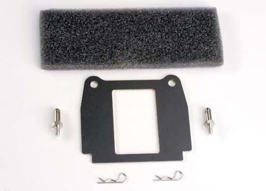 Traxxas Hold-down plate battery/ hold-down posts (2)/ foam adhesive pads (2)/ body clips (2)