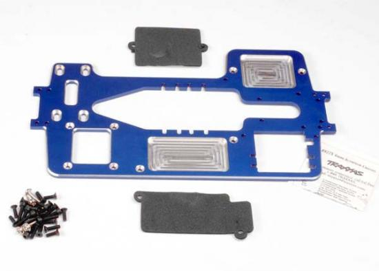 Traxxas 7075-T6 billet machined aluminum chassis (4mm) (blue)/ hardware