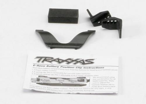 Traxxas Retainer clip battery (1)/ front clip (1) /rear clip (1)/ foam spacer (1) (for one battery compartment)