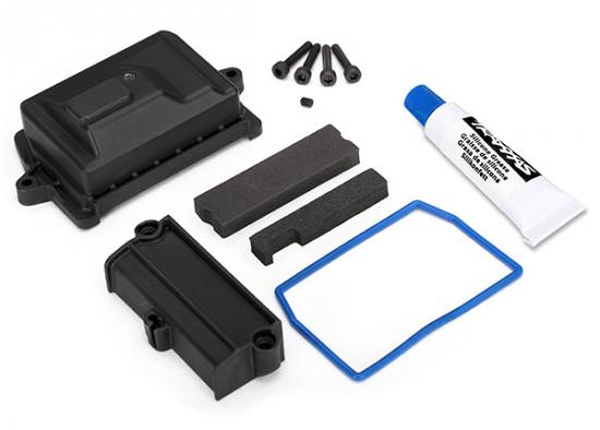Traxxas X-MAXX Box receiver (sealed)/ wire cover/ foam pads/ silicone grease/ 3x15 CS (4)